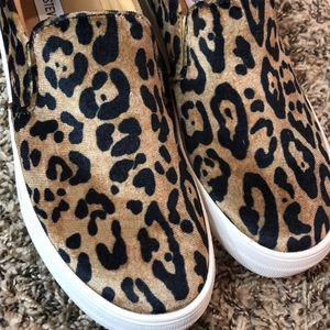 """Steve Madden """"Gills Leopard"""" Slip on Shoes"""